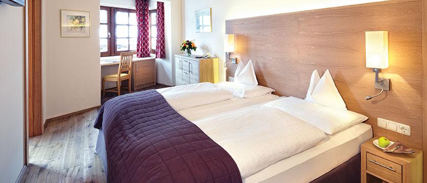 Hotel zum Hirschen, Zell am See, Austria - double bedroom interior.jpg